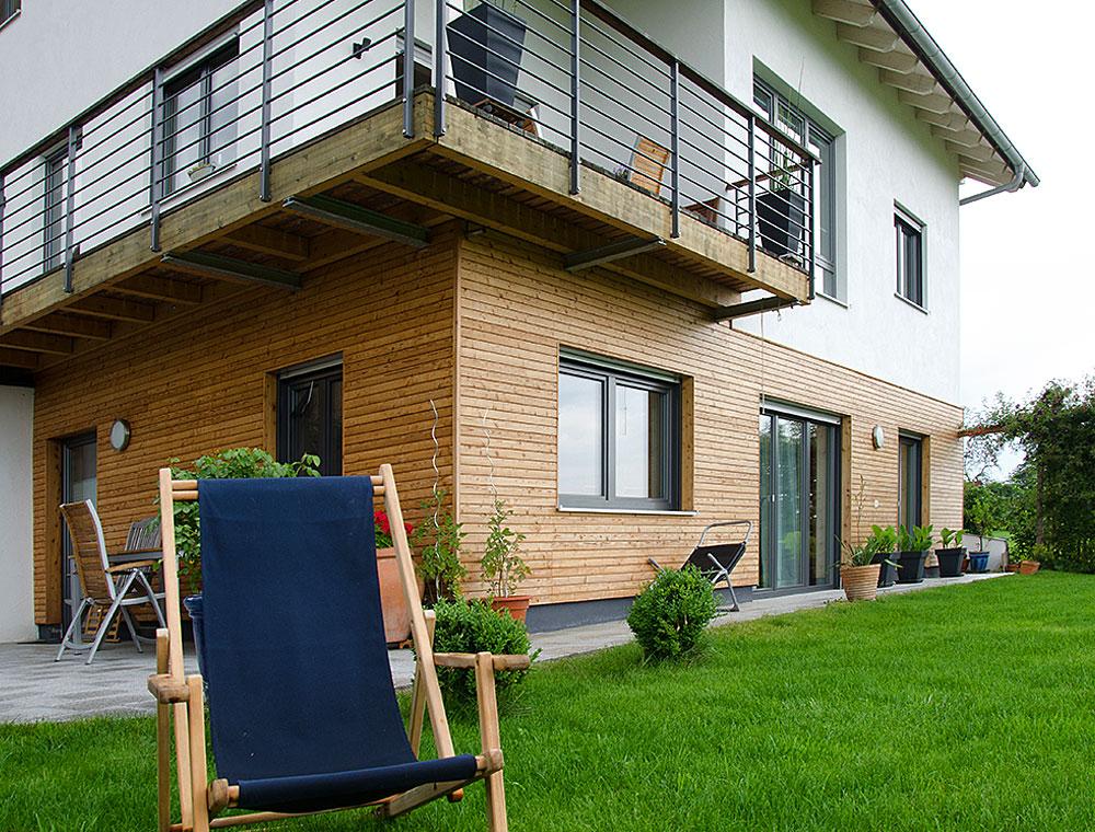 schiller-zimmerei-projekt-dacheindeckung-aussenschalung-mit-balkonarbeiten-frauenneuharting-3