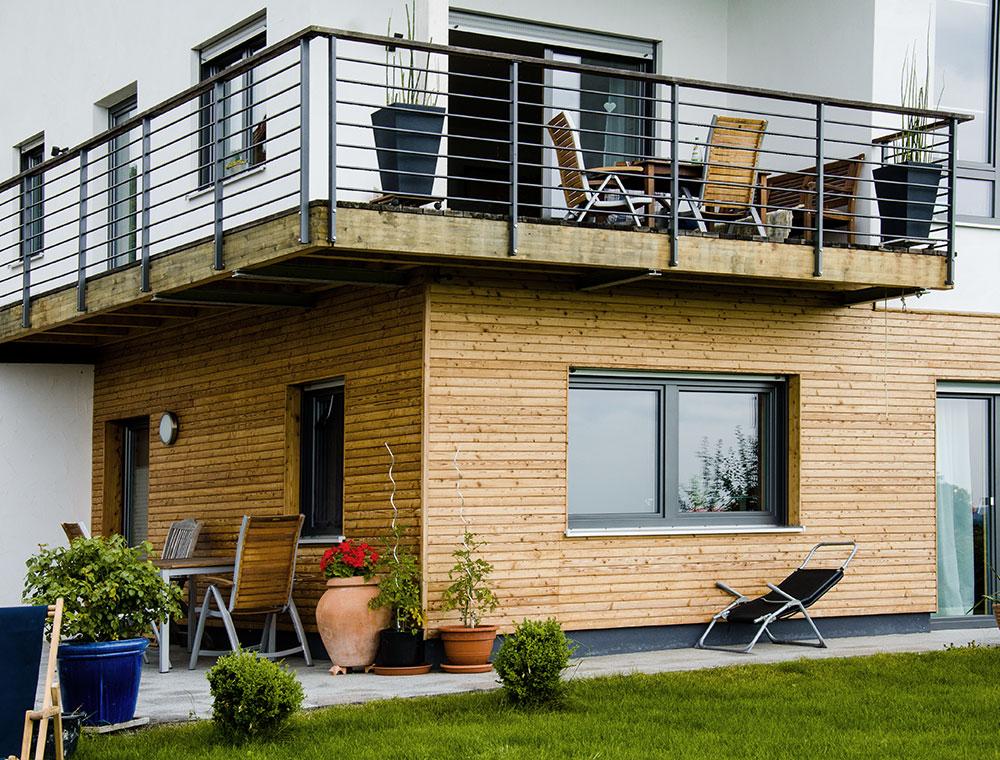 schiller-zimmerei-projekt-dacheindeckung-aussenschalung-mit-balkonarbeiten-frauenneuharting-4