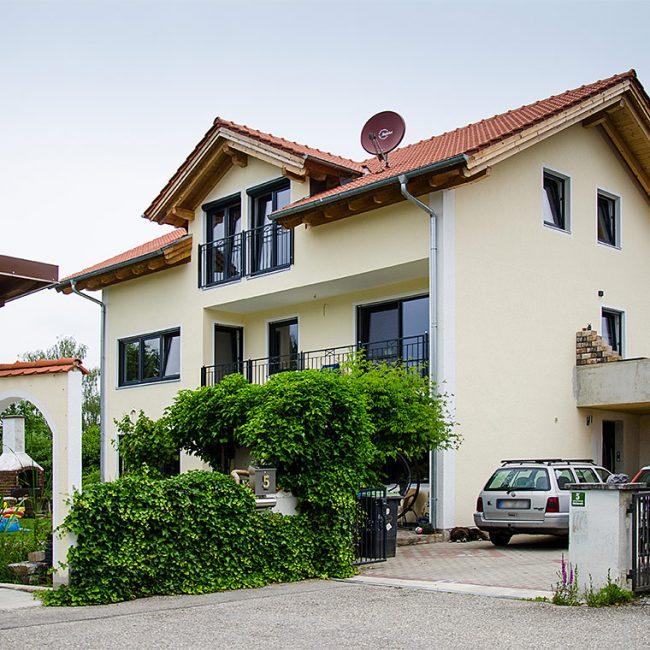 schiller-zimmerei-projekt-dachmodernisierung-und-wohnraumerweiterung-mit-einbau-eines-quergiebels-soyen-1