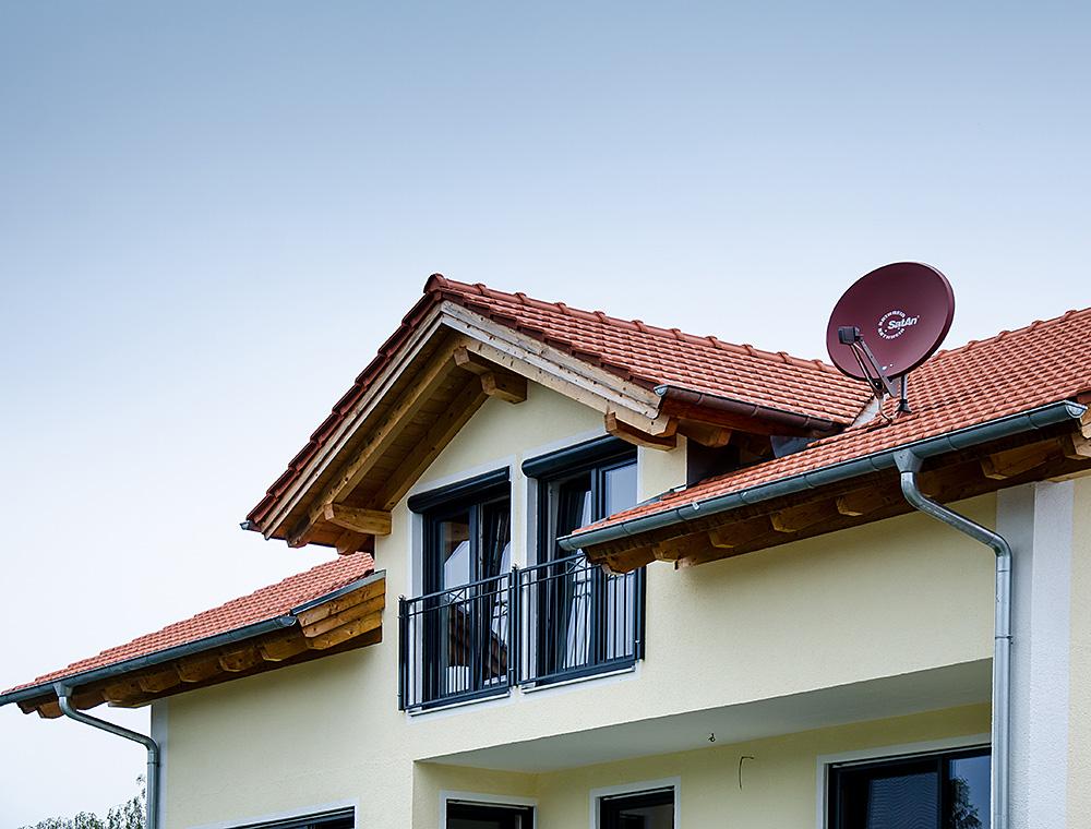 schiller-zimmerei-projekt-dachmodernisierung-und-wohnraumerweiterung-mit-einbau-eines-quergiebels-soyen-2