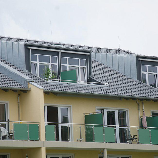 schiller-zimmerei-projekt-dachstuhl-und-dacheindeckung-mit-gaubeneinbau-edling-2
