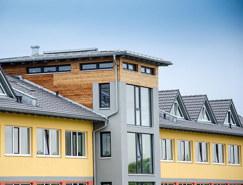 schiller-zimmerei-projekt-dachstuhl-und-dacheindeckung-mit-gaubeneinbau-edling-4