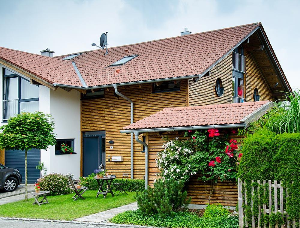 schiller-zimmerei-projekt-holzstaenderhaus-als-energieeffizienzhaus-reitmehring-1